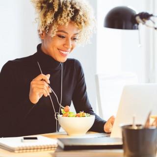 comment-manger-equilibre-et-sain-pendant-une-courte-pause-dejeuner-